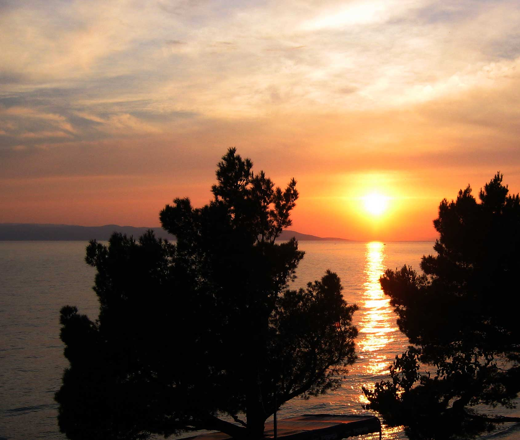 sun-setting-over-the-adriatic-tucepi-croatia