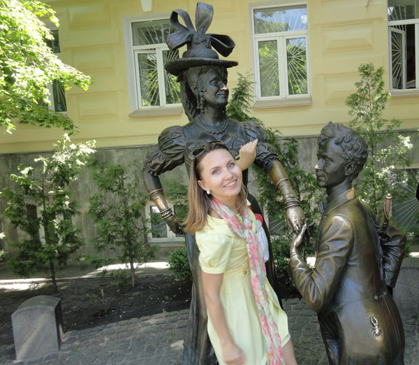 Oksana and The Statue of Love
