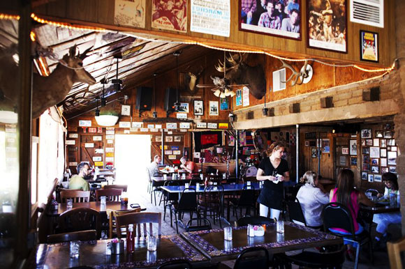 Pappy & Harriets, a charmless eating-barn