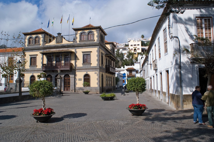 The churh and town square in Teror